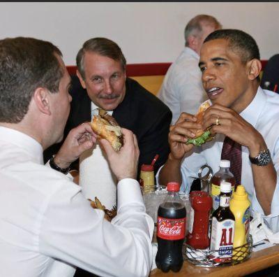 Повод выпить 27 июля День рождения гамбургера