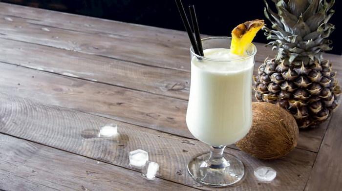 Пина Колада — 3 рецепта освежающего коктейля для всех времен года